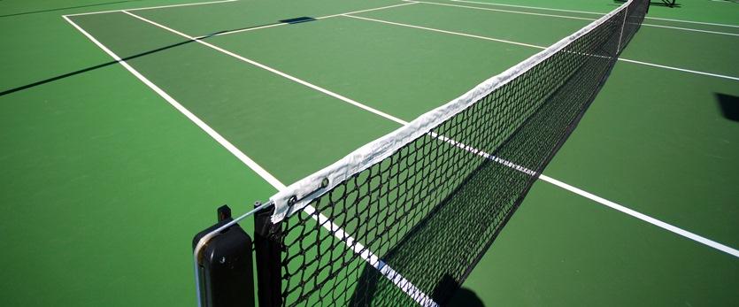 Теннисный корт из акрилового покрытия